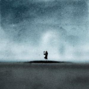 Nainen ja tyhjä lintuhäkki - A woman and an empty birdcage