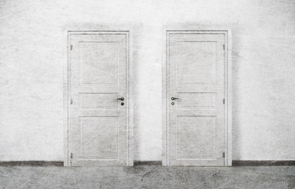 Kaksi ovea – Two Doors